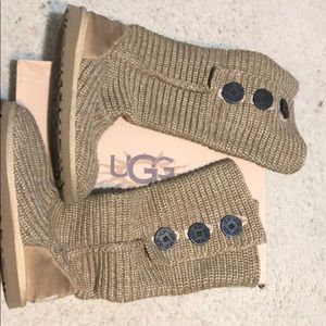 classic cardy ugg in oat